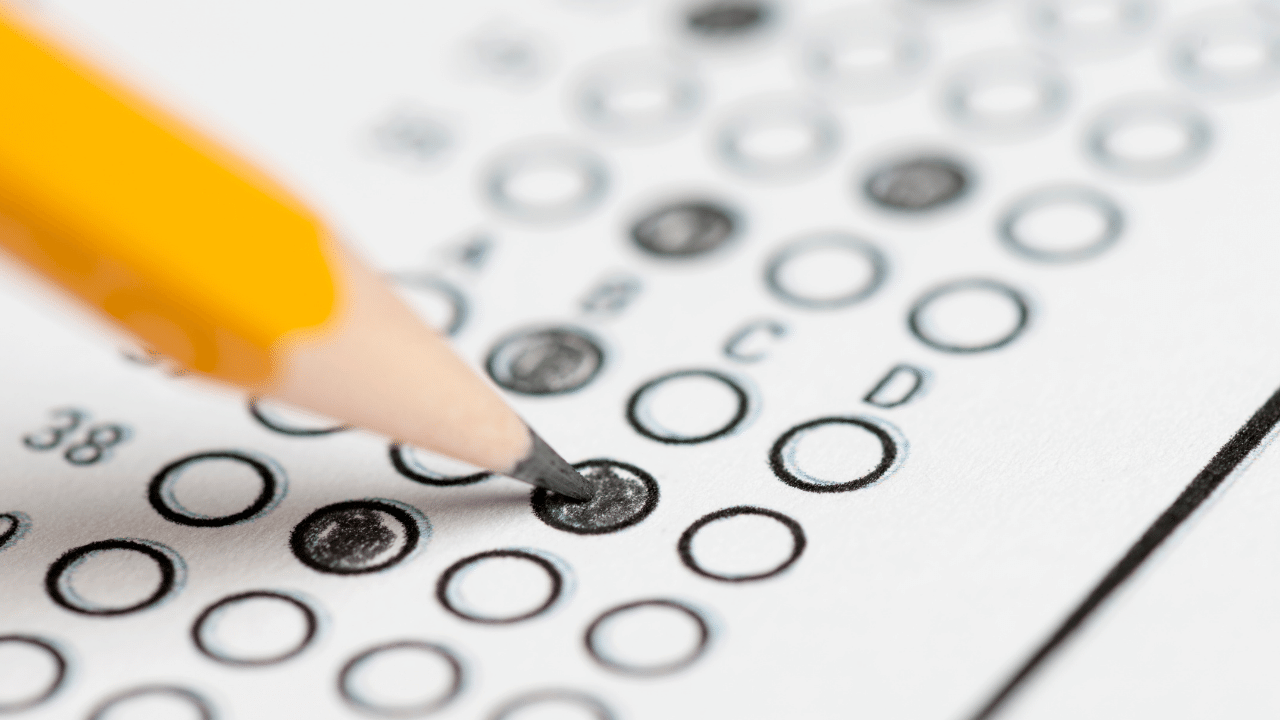 How to write multiple choice questions - preview image
